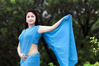প্রেমটা চালিয়ে যেতে চাই: ফারিয়া শাহরিন