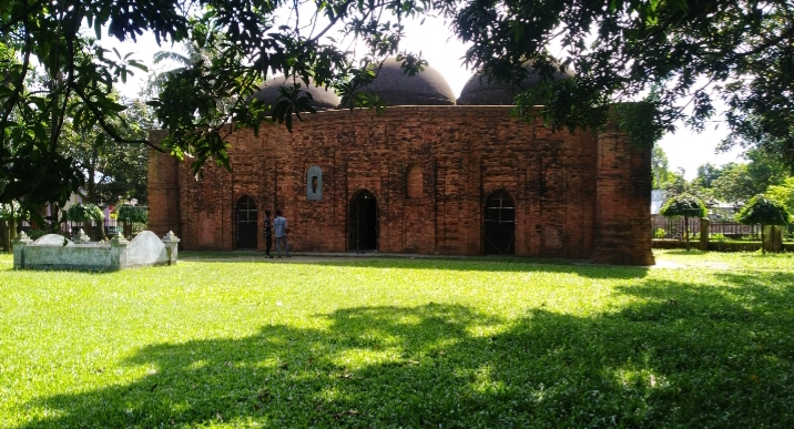 বগুড়ার শেরপুরে কালের সাক্ষী ঐতিহাসিক খেরুয়া মসজিদ