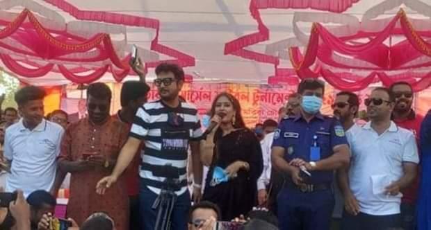 নালিতাবাড়ীতে মার্সেল ফুটবল খেলা দেখলেন চিত্রনায়ক আমিন খান ও কেয়া